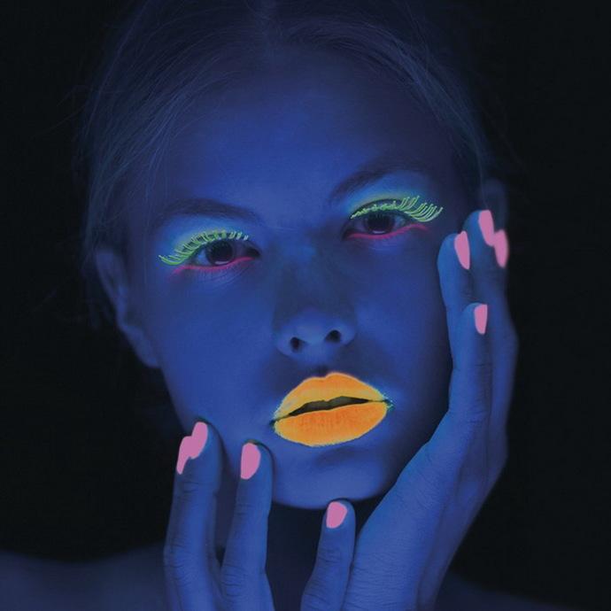 řasenka STAR GAZER - UV Neon Red