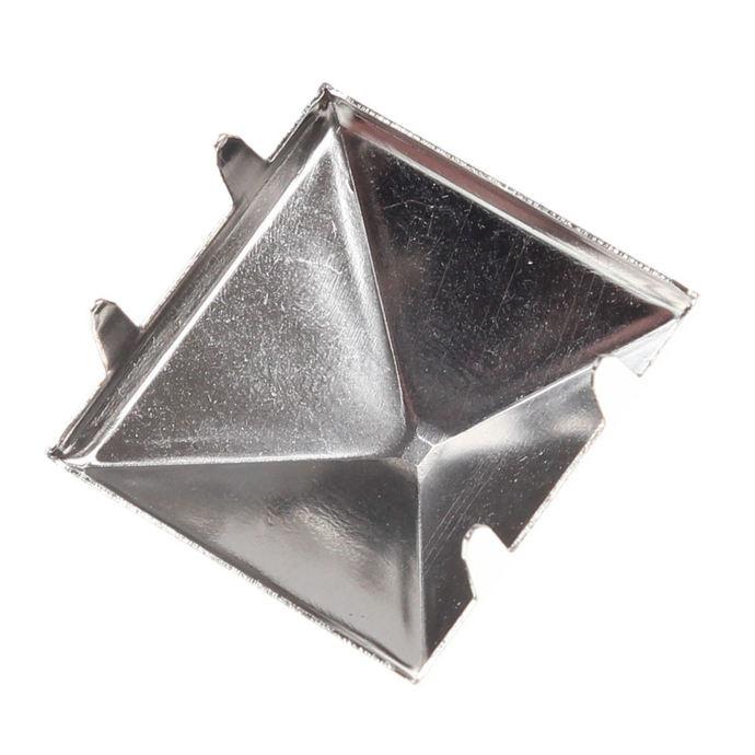 pyramidy kovové (50 ks)