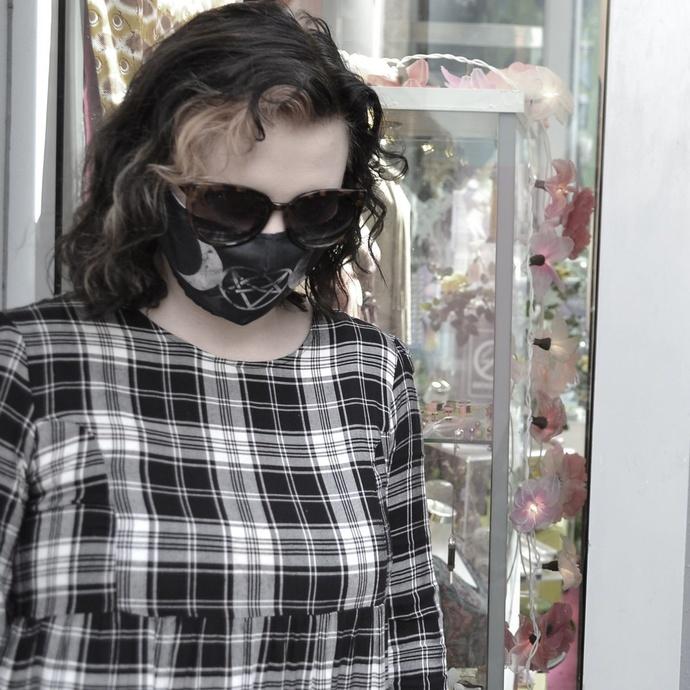 rouška (maska) HEARTLESS - MOON PENTAGRAM - BLACK