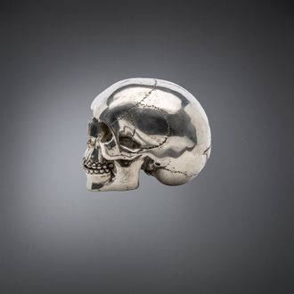 dekorace QUEEN OF DARKNESS - Metal Skull