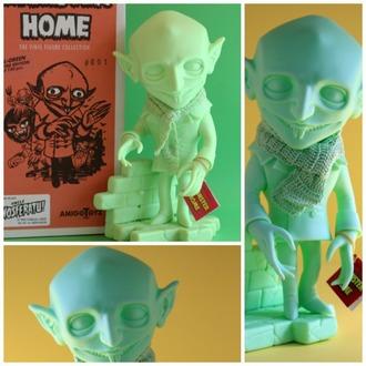 figurka Monster Home - Uncle Nosferatu All-Green